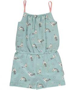 Mono estampado, de tirantes, de niña, de algodón orgñanico y pantalón corto con estampado de focas sobre fondo azul.