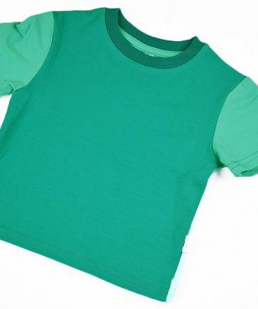 Camiseta infantil Emerald, de manga corta, hecha en punto de algodón con delantero color esmeralda y mangas y trasero color mint.
