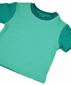 Camiseta infantil Mint, de manga corta, hecha en punto de algodón con delantero color mint y mangas y trasero color esmeralda.