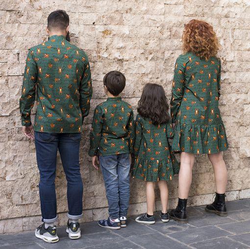 Conjunto de prendas para vestir a juego con tu familia: camisas de hombre y niño y vestidos camiseros de mujer y niña, de manga larga, hechos en algodón orgánico con estampado de perezosos.
