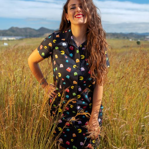 Vestido manga corta mujer, camisero y con estampado de comecocos. Hecho en algodón orgánico, de manera sostenible, en talleres locales.